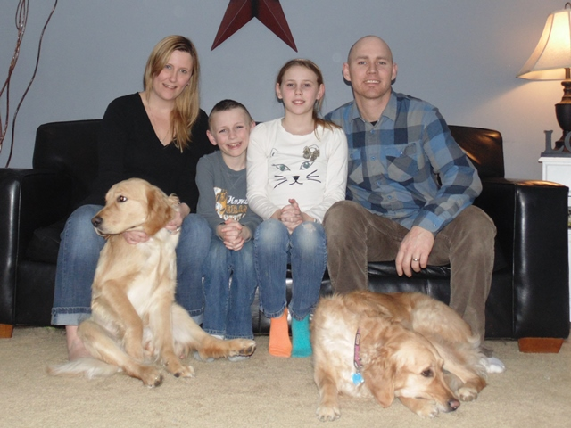 Shannon and Jeff_with_Saige__Masen__Goldens_Georgia__Sadie_Angels